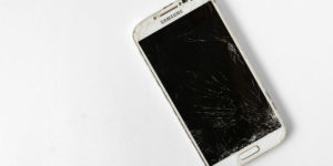 Top ways people get their Samsung Mobile Screen cracked - Tips to prevent it