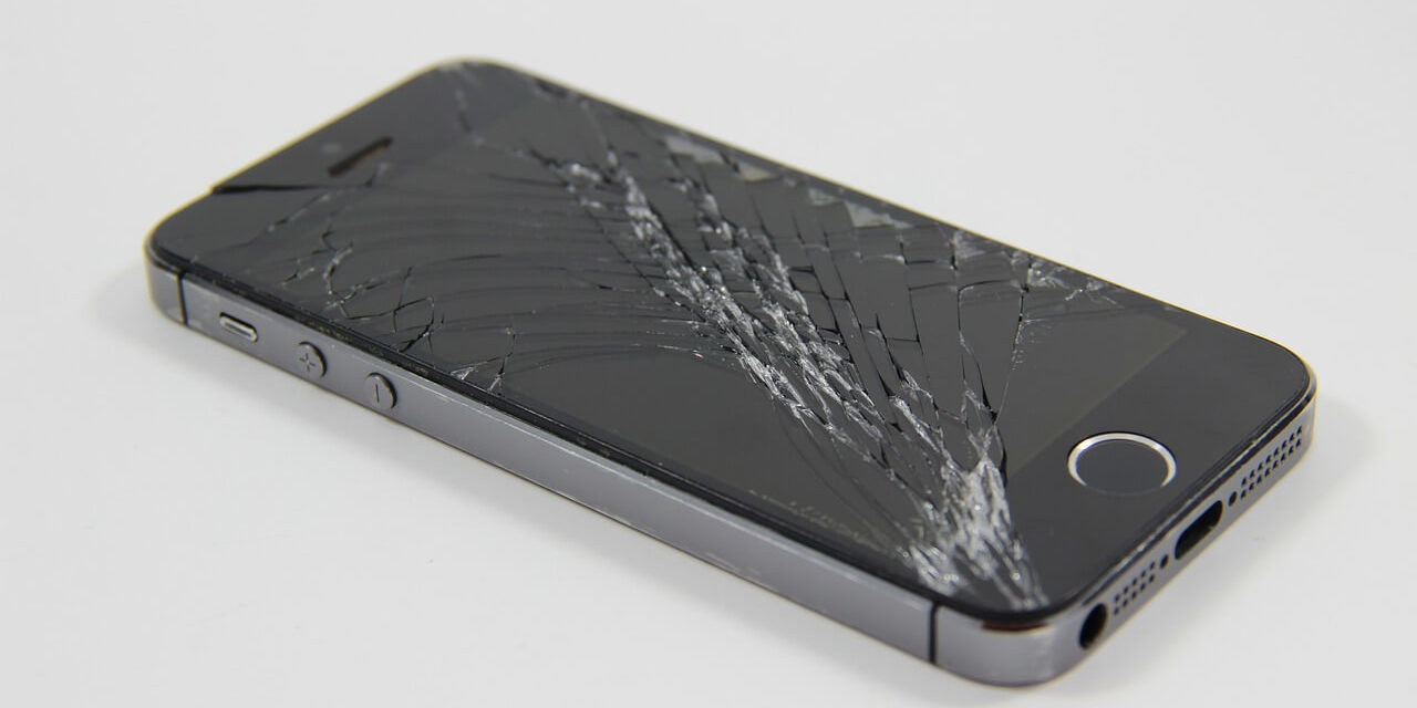 What Are the Common Problems with IPhones that need professional repair?