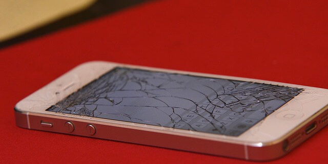 Broken Screen? Get your iPhone Fixed Right Now!